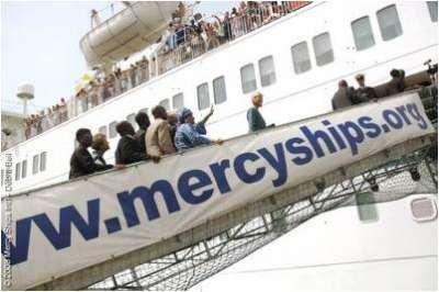 """SANTE/LE GRAND BATEAU """"AFRICA MERCY SHIPS"""" DE RETOUR A LOME"""