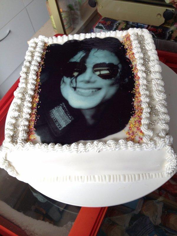 gateau pour l anniversaire de Michael