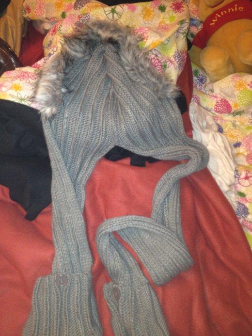 Echarpe capuche gant tout en 1 gris
