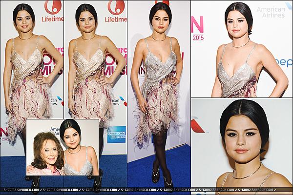 11.12.15 - Selena s'est rendu à la cérémonie des 10th Annual Women In Music 2015 à New-York.