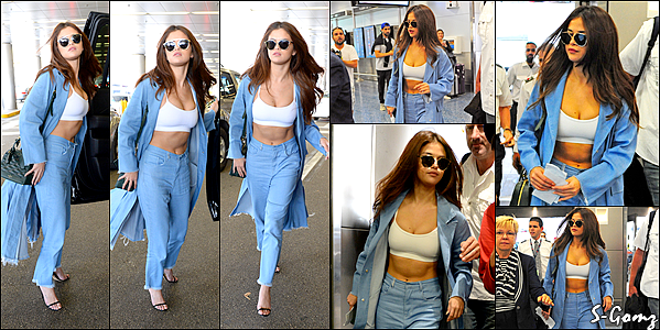 04.04.16 - Selena a été photographiée arrivant à l'aéroport International de Miami.