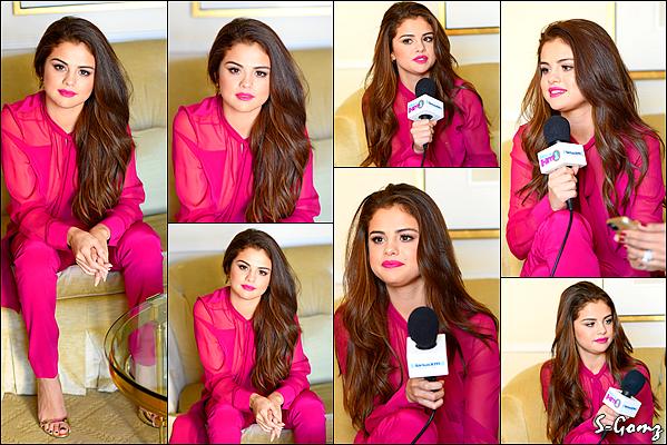 12.02.16 - Selena répondant à une interview pour la radio SiriusXM à Beverly Hills.