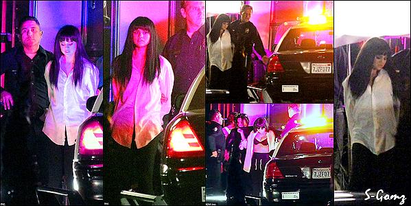 29.11.15 - Selena a été aperçu sur le set de son nouveau clip Hand To Myself à Los Angeles.