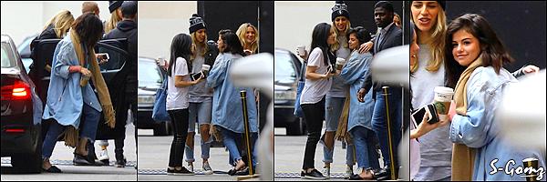 15.01.17 - Dans la soirée, Selena a été photographiée quittant le restaurant Terroni à Los Angeles.