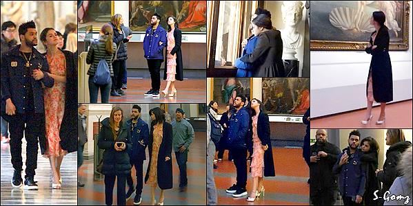 27.01.17 - Selena a été photographiée avec The Weekend à la Galleria dell'Accademia à Florence, en Italie.