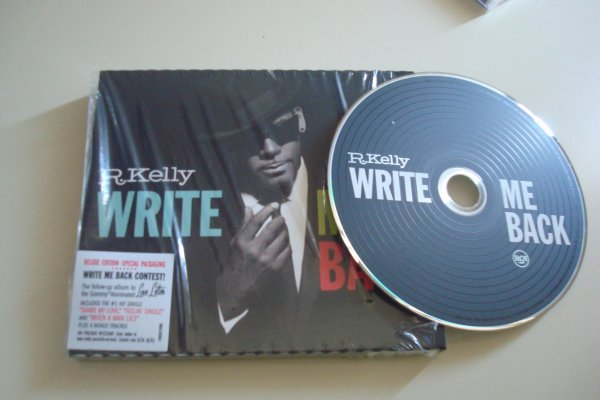La version Deluxe de Write Me Back est dispo !