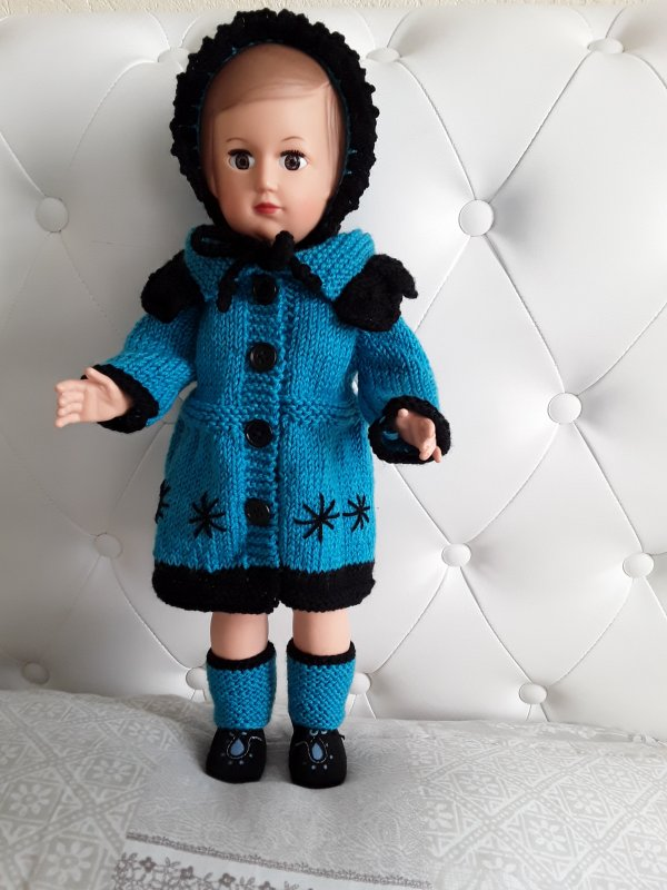 Françoise et son joli manteau