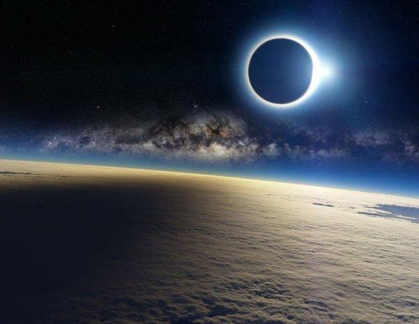 Eclipse, depuis l'espace.