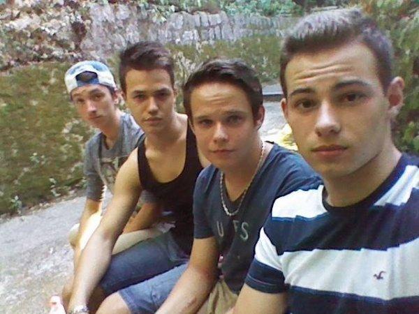Au chateau avec les frères