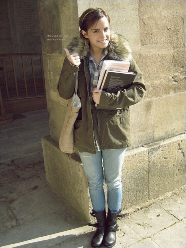 . CANDIDS _'Emma à l' l'Université d'Oxford.