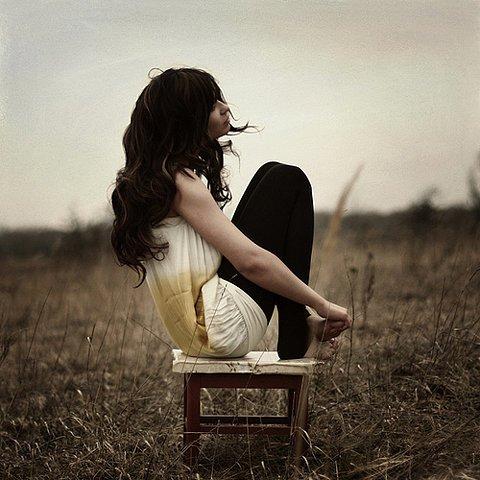 Une femme amoureuse peut etre un petit peu trop reveuse [PUNIQRANDLINE-(au-dating-names.txt) 49