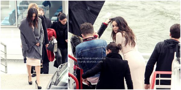 . Spotted : Décidément,la belle ne semble pas chômer ces derniers jours, à peine la belle débarque  ................t-elle dans la capitale française qu'on l'a retrouve deux jours plus tard en plein shooting ...............(aux bords de la Seine)  pour Dior dont elle fait partie des égéries....... (PARIS) - 1er mars 2012 .