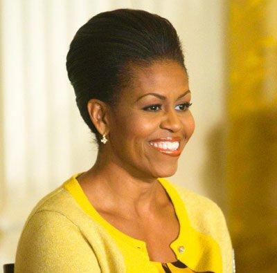 Michelle obama et sa coupe avec ces cheveux naturels for Coupe cheveux afro naturel