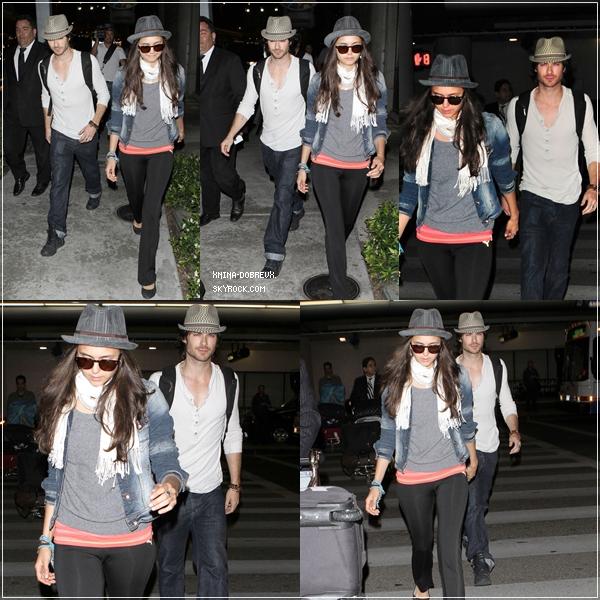 Ian et Nina arrivant a l'aéroport de Los Angeles la nuit