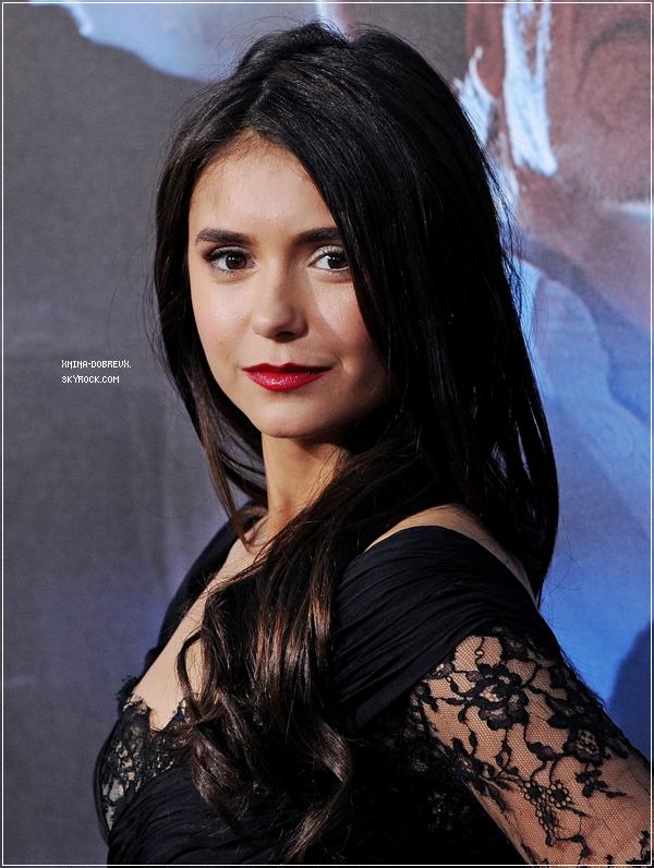 """Nina était à l'avant première du film """"Cow-Boys contre Aliens"""", le 23 juillet 2011"""