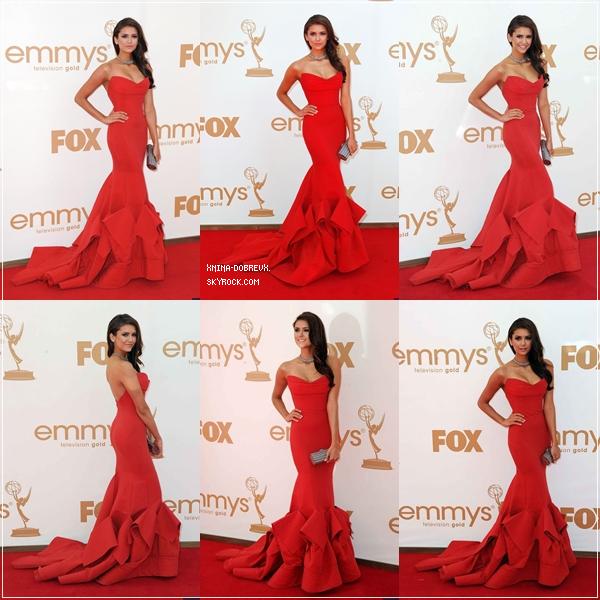 """Nina plus sublime que jamais lors des """"63nd PrimeTime Emmy Awards 2011"""" au théâtre Nokia à Los Angeles."""