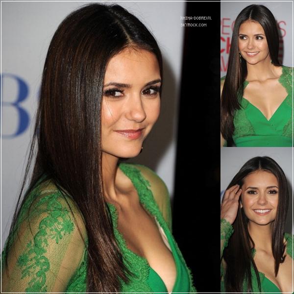 11/01/2012  Nina Dobrev était présente à l'évènement des People's Choice Awards.