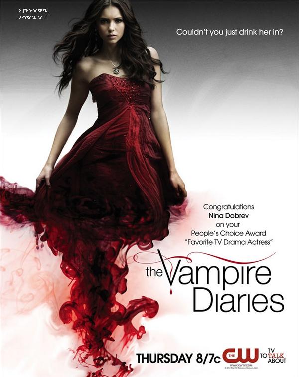 """affiche promotionnelle où la CW félicite Nina pour avoir gagner l'award """"Favorite TV Drama Actress"""" aux People's Choice Awards"""