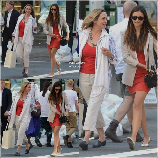 12/05/12 Nina & sa mère se baladant dans les rues de New-York.