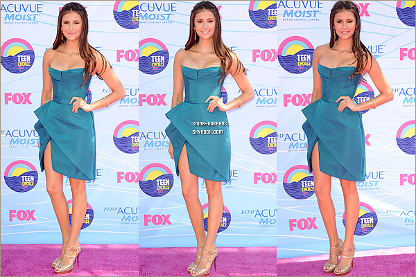22/07                 Nina au Teen choices awards 2012.