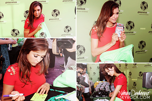 27th July - Nina était présente au Variety's Power Of Youth