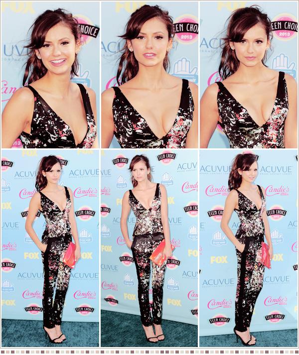 11th August - Comme chaque année Nina était présente aux Teen Choice Awards accompagnée de ses co-stars. A noté que la belle à remporté le prix Choice TV Actress dans une série Fantastique/Sci-Fi, mais ce n'est pas tout car le Cast à gagné le prix de meilleure série télé Fantastique/Sci-Fi!