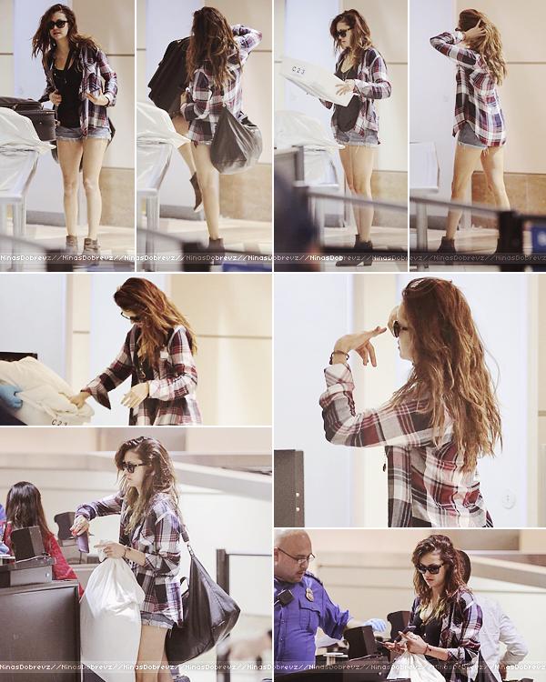 06th Oct - Nina à l'aéroport de LAX.