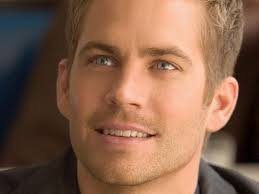 "Un grand hommage a Paul Walker la star de "" Fast And Furious"" mort hier a l'age de 40 ans dans un accident de voiture"