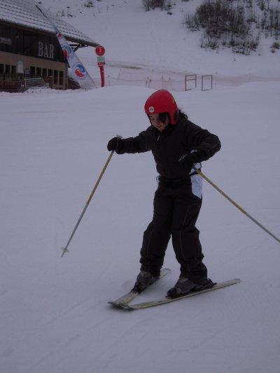 lisa essayant de faire du ski classe de neige 2011. Black Bedroom Furniture Sets. Home Design Ideas