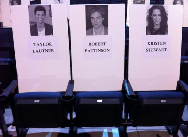 * Grâce à cette photo apparue, nous avons désormais la confirmation de la présence de Kris au Peoples choice awards 2011 !*