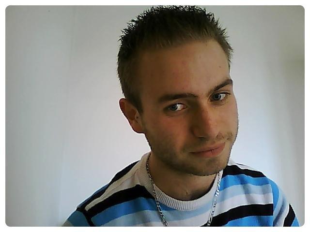_ Un tit peu de moi .. :) _