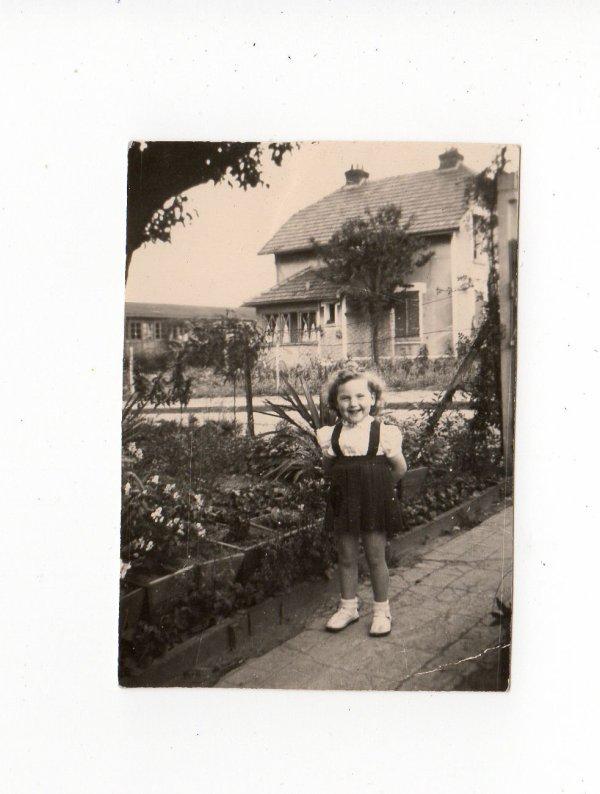 en écho à Zabelle254....j'avais 1 an et 3 ans