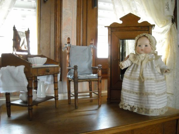 petit Armand Marseille dans sa chambre