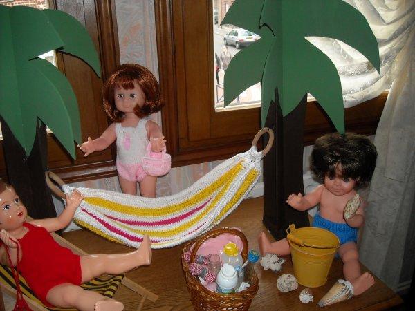 Mes poupées ont de la chance, elles sont parties à l'Ile de la Réunion, car par chez nous disent elles, nous n'avons pas de soleil, ah les coquines, moi je ne connais pas l'Ile de la réunion !