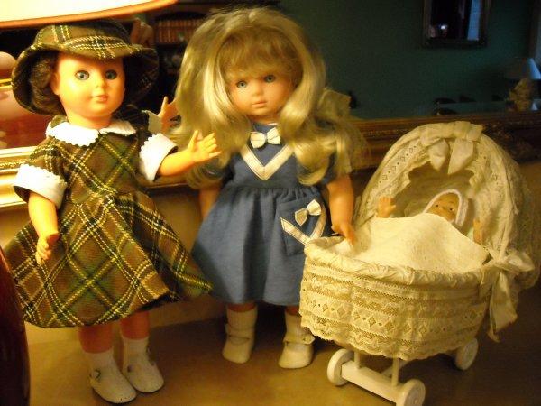 Trouvailles à LOMME, ce dimanche : Tenue pour Marie-Françoise, Cécile que je n'avais pas encore et un ancien petit moïse