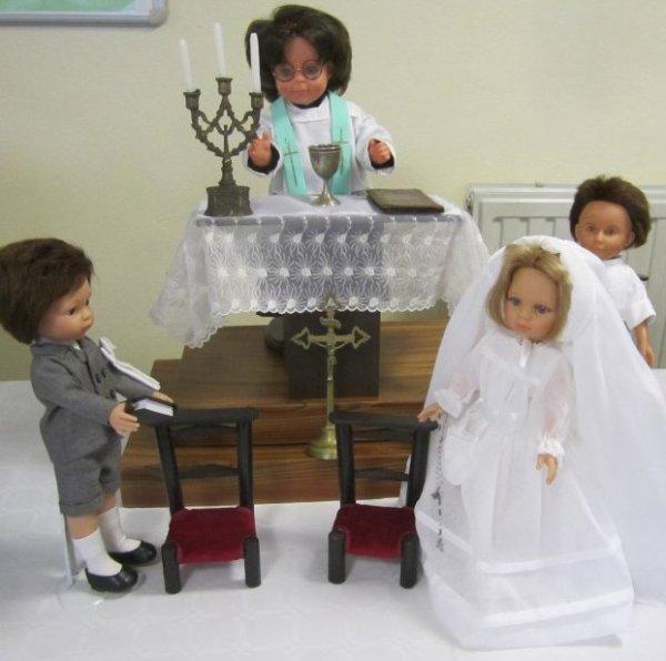 Comme le veut la tradition, voici la Profession de foi des Chéries. Une des scènes lors de mes expositions.