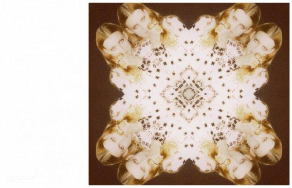 Lux et Sonor. Ds le casque : Lullaby acoustic - The Cure