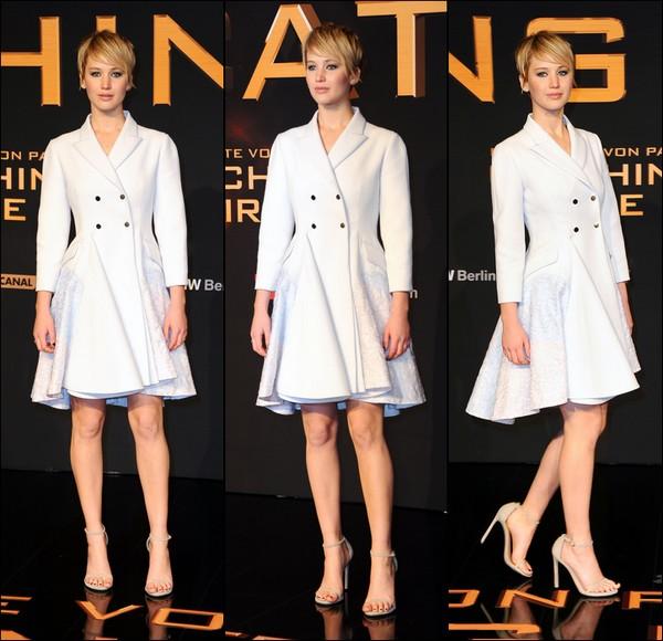 .   12/11/2013 :  Jennifer et le cast d'Hunger Games étaient présent à Berlin en Allemagne pour l'avant-première du film .
