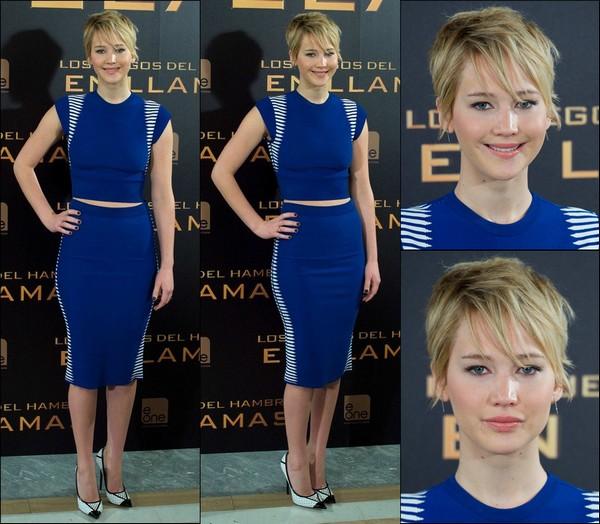 .   13/11/2013 :  Jennifer était à un photocall pour son film Hunger games : Catching Fire à Madrid en Espagne  .