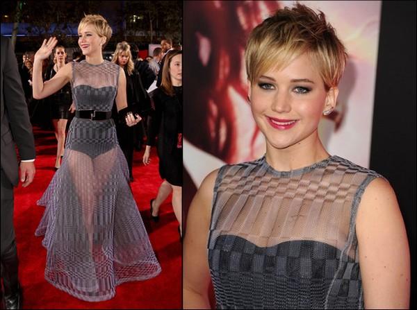 .   18/11/2013 :  Jennifer s'est rendue à l'avant-première d'Hunger Games 2 à Los Angeles. Elle était vêtue d'une robe Dior .
