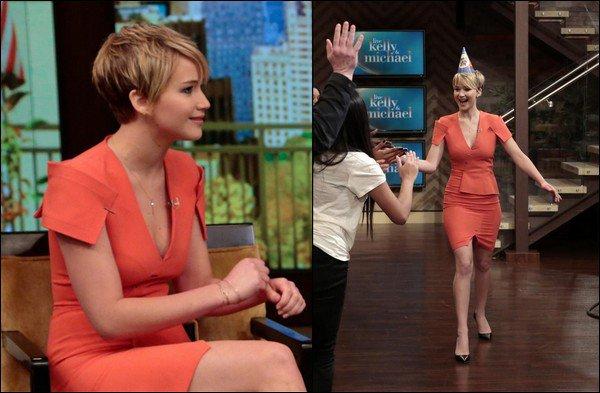 .   21/11/2013 :  Jennifer était l'invité de l'émission 'Good Morning America' à New York .