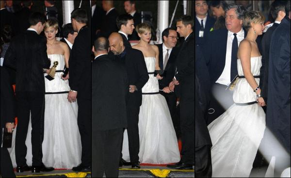 .   12/01/2014 :  Jennifer et son petit ami, Nicholas Hoult, quittant la soirée des Golden Globe Awards .