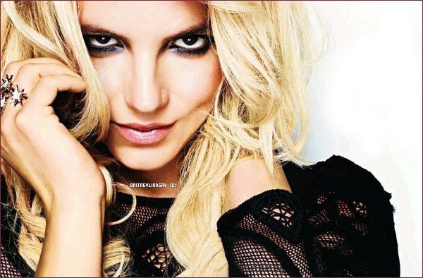 """.07/09/11 : Voici des nouvelles photo du magazine Glamour & Hier soir Lindsay sortant du coiffeur """"Byron & Tracey""""  ."""