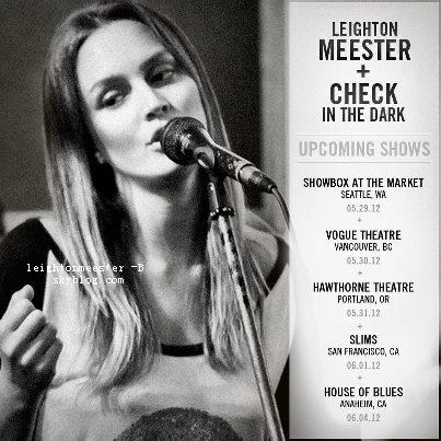 """`PHOTOSHOOT : Nous pouvons retrouver quelques images d'un photoshoot de Leighton avec Just Jared. + L'affiche promotionnelle et les dates de sa tournée, ainsi que des photos de son twitter & la bande - annonce de son nouveau film """"That's my boy"""".    Que penses-tu de ses chansons ?   Top la b-a ?"""