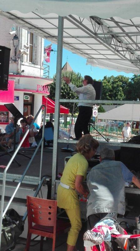 Le sosie d'Eddy Mitchell au festival country de Surgéres le 07/082016