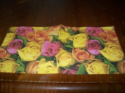 PARTERRE DE ROSES (petite serviette)