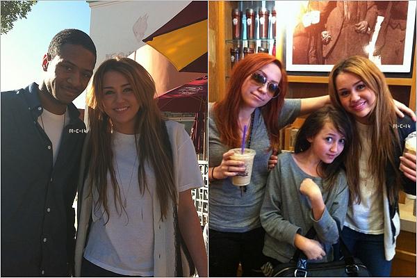 02 fevrier 2011 : Miley est de retour a Los Angeles. Elle a été apperçu avec son frêre : Un nouveau tatouage ? Miley Fume ?