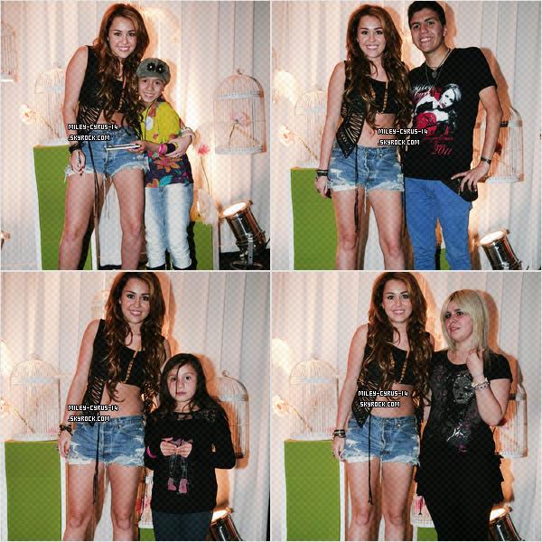 07/05/11 : Miley sortant d'un restaurant à Buenos Aires en Argentine