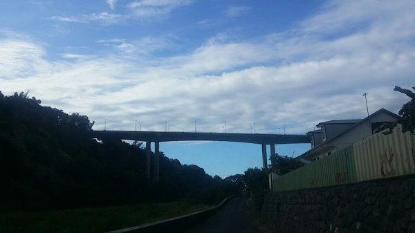 Le pont Vinh San vu du dessous x)