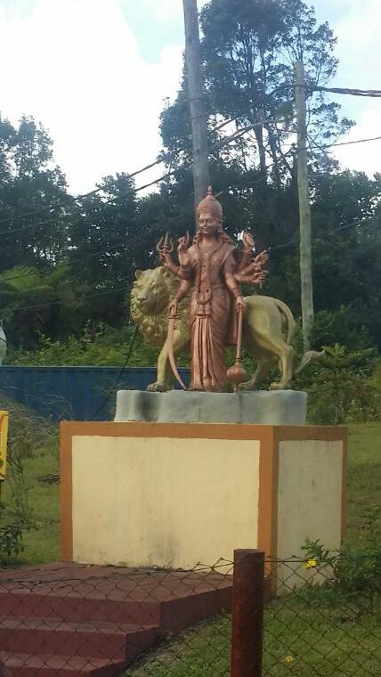 Statue en construction